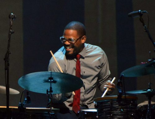 Karriem Riggins performs with Diana Krall